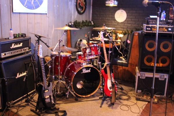 Drums N Flats Wings Beer Rock N Roll